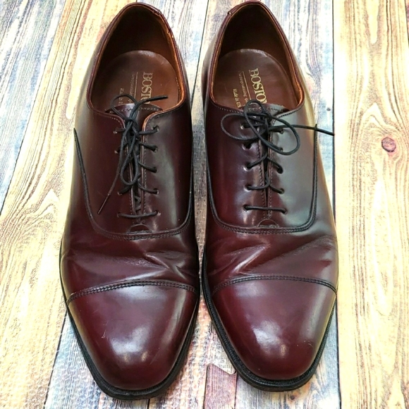 Bostonian leather loafers size 10